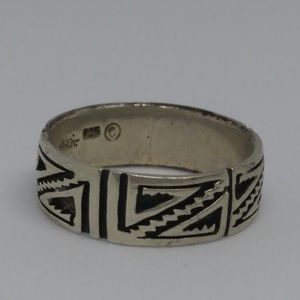 Tribal Pattern Sterling Silver Band Ring Sz 8